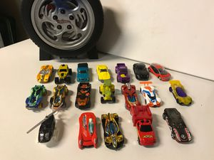 Hotwheels Cars and Matchbox Lot and carrying storage 19 cars total for Sale in Kirkland, WA
