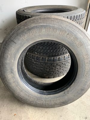 Semi Trailer 1 Tire Michelin 275/80 R22.5 for Sale in Wood Dale, IL