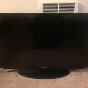 Samsung (UN40EH5300) 40-Inch 1080p 60Hz LED Smart HDTV for Sale in El Cerrito, CA