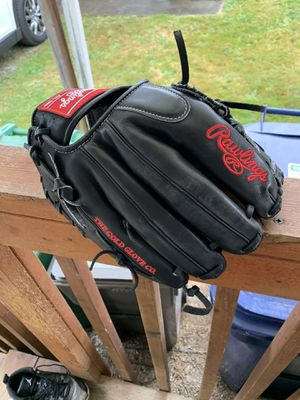 Like New Rawlings Heart of the Hide for LH Thrower for Sale in Seattle, WA