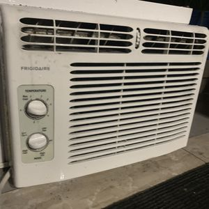 Ac Windows Unit 5000 Btu for Sale in Miami, FL