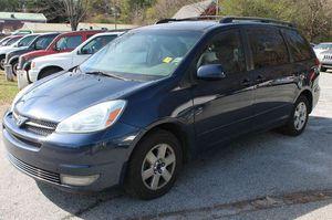 2004 Toyota Sienna XLE for Sale in Duluth, GA