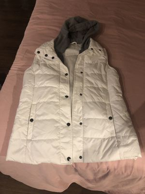 women's white puffer vest with hood for Sale in Washington, DC