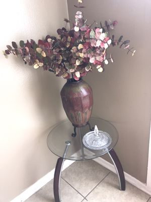 Glass table center piece for Sale in Memphis, TN