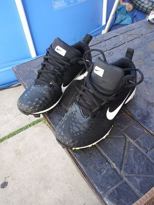 Used kids baseball or softball cleats used but in great shape $15.00 obo for Sale in La Puente, CA