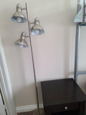 Floor lamp. for Sale in Hawthorne, CA