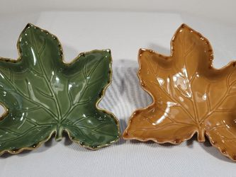 New Maple Leaf-Shaped Ceramic Serving Dishes for Sale in Petaluma,  CA