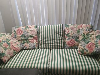 Fabric 3 Seater sofa With 5 Cushions for Sale in West Berlin,  NJ
