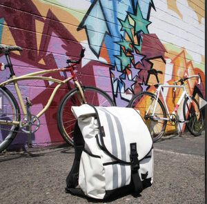 Banjo Brothers Commuter Backpack Large (white) for Sale in Lynwood, CA