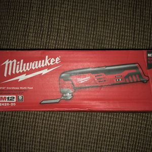 Milwaukee M12 Multi-tool for Sale in Rockville, MD