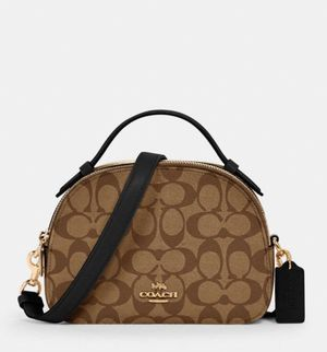 Coach Serena satchel in signature canvas for Sale in Queens, NY