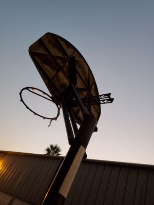⛹‍♀️Basketball Hoop 🏀 for Sale in Ontario, CA