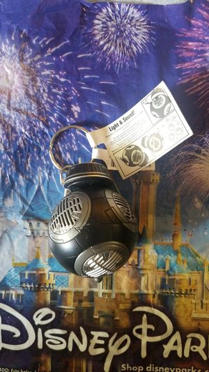 Disney parks droid star wars key chain for Sale in Riverside, CA