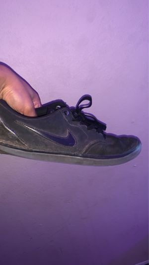 Nike shoes size 10.5 men for Sale in San Bernardino, CA