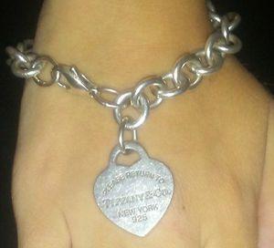 Tiffanys necklace & Bracelet for Sale in Las Vegas, NV