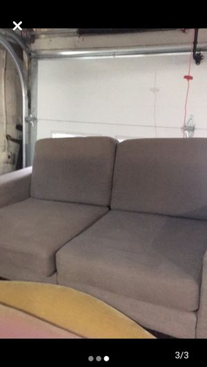 Couch for Sale in MARTINS ADD, MD