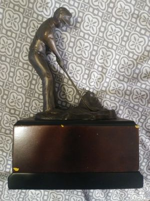 Very nice Golfing man metal statue for Sale in Fort Myers, FL