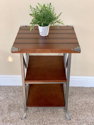 Brown end table nightstand side table for Sale in Roseville, CA