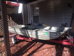 12' jon boat and trailer with trolling motor for Sale in Sterling, VA