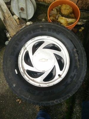 Chevy S10 wheels and tires for Sale in Snohomish, WA