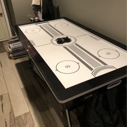 Air Hockey Table for Sale in Hicksville,  NY