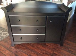 Changing Table / Dresser for Sale in San Diego, CA