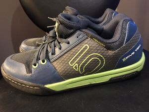 5.10 mountain bike flat pedal shoes: Men's Size 8 for Sale in Salt Lake City, UT