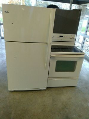 Refrigerator and stove set for Sale in Belleville, IL