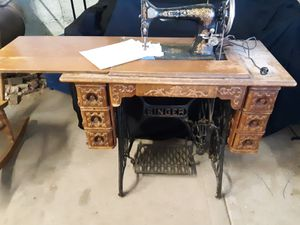 1901 antique Singer sewing machine for Sale in Hotchkiss, CO