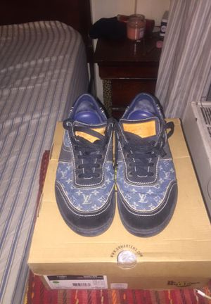 Louis Vuitton denim Classic size 10 euro 9 for Sale in Bronx, NY