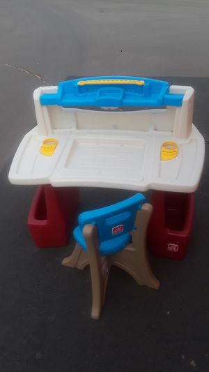 Desk for kids for Sale in Glendale, AZ