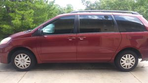 Toyota Sienna 2006 with Entertainment System for Sale in Sebring, FL