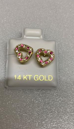 Aretes de corazón oro 14k for Sale in Bell, CA