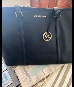 Authentic MK purse for Sale in Menifee, CA