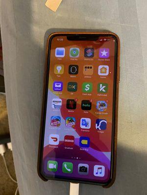 IPhone 11 pro max for Sale in Elk Grove Village, IL