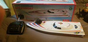 Neptune speed boat twin 380 motors and rechargeable and has 2 extra props for Sale in Gary, IN