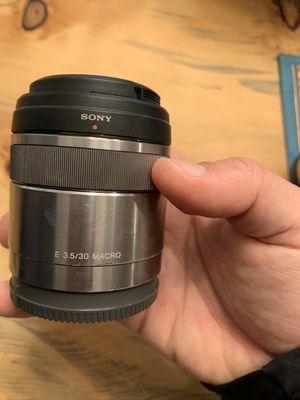 Sony E 30mm f/3.5 Macro lense for Sale in North Bend, WA