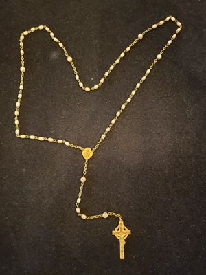 $12. Vintage antique white glass bead rosary made in Czechoslovakia. With leather pouch. 24 in. for Sale in Largo, FL