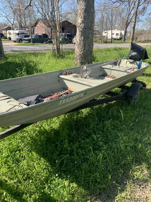 12ft. Aluminum Grumman Swamp Runner by SPS for Sale in Houston, TX