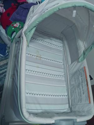 Reversible bassinet changing table with vibration for Sale in Rolla, MO