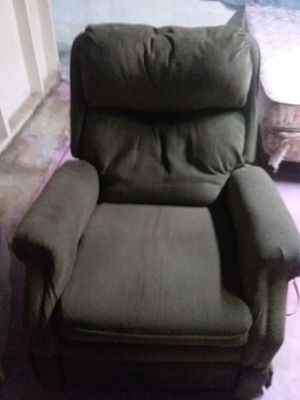 Recliner chair for Sale in Wayland, MI