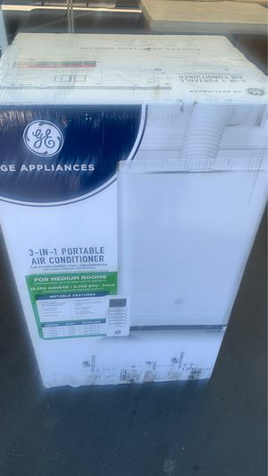 GE 13,500 BTU 3-in -1 Portable Air Conditioner for Sale in Anaheim, CA