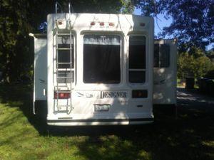 2000 Jayco designer fifth wheel camper for Sale in New Lenox, IL