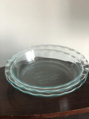"""TWO Pyrex 9.5"""" Pie Dishes for Sale in Miami, FL"""