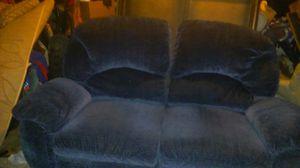 Blue double recliner for Sale in Detroit, MI