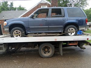 98 Ford explorer 4x4 for Sale in Aliquippa, PA