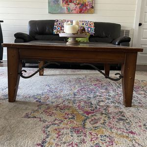 Coffee Table for Sale in Alpharetta, GA