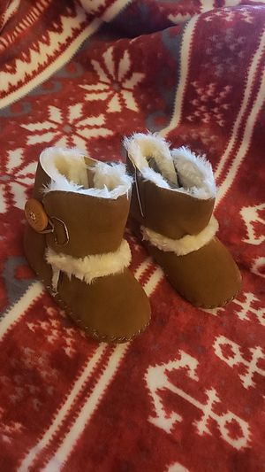 Baby winter snow boots for Sale in Anaheim, CA
