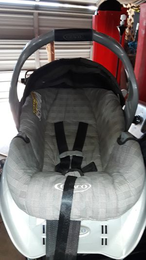 Graco infant seat for Sale in St. Louis, MO