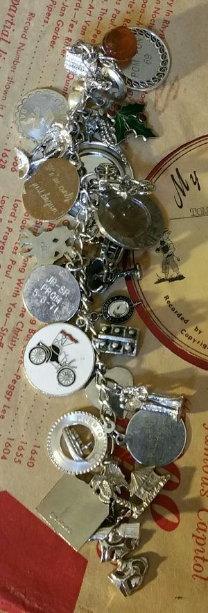 Vintage Charm Bracelet 30 Charms for Sale in Maple Valley, WA